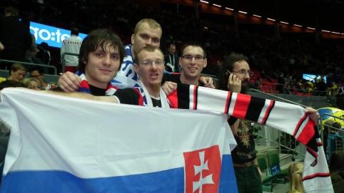 Spoločná fotka počas prestávky zápasu Švédsko - Slovensko