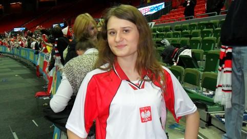 Poľské dievča, ktoré si Marek odchytil pri záverčnej ďakovačke poľských fanúšikov