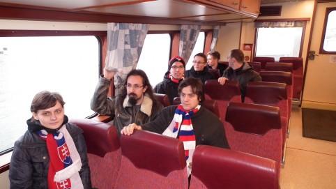 Ako poslušné deti na ceste loďkou na ostrovček