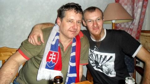 Po návrate na hostel, sme pokračovali s našimi zásobami v spoločenstve poľských novinárov.