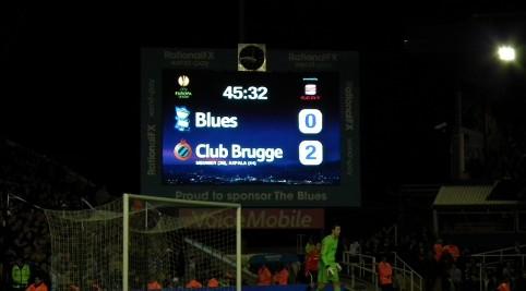 Po prvom polčase domáci prehrávajú s Brugami 2:0.